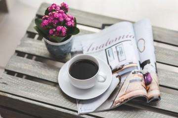 s_coffee-flower-reading-magazine